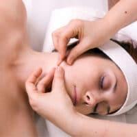 Bindweefselmassage-gezicht-gelaat-schoonheidsbehandelingen-leiderdorp-leiden
