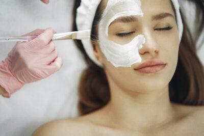 Puurs base behandeling- gezichtsbehandeling